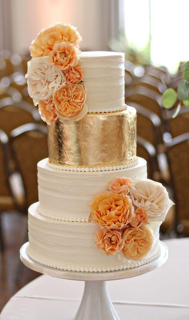 White cakes 24