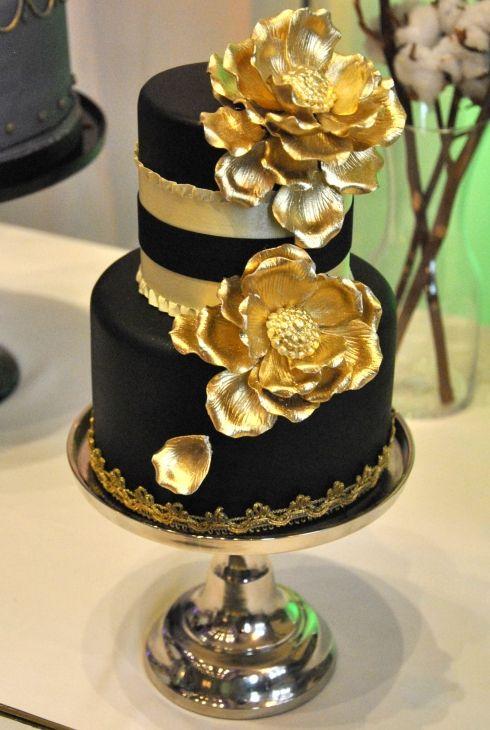 blackwhite and grey cakes 46.5